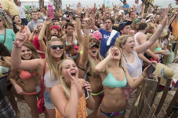 ABD'li gençlerden çılgın eğlence